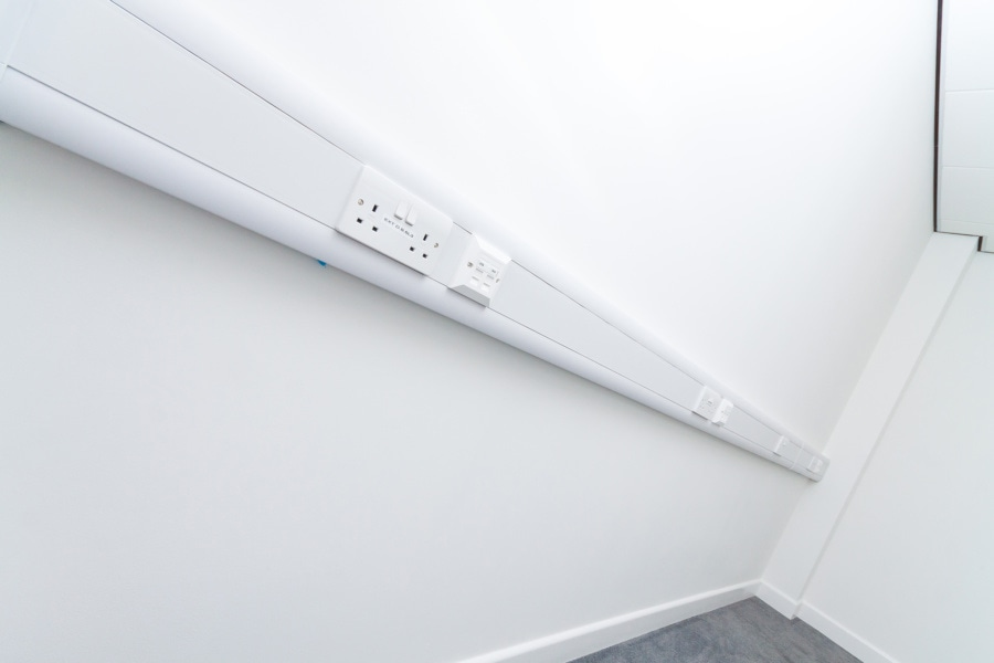 Cable trunking and sockets